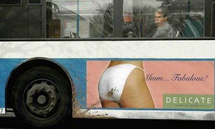 Nevhodně umístěná reklama