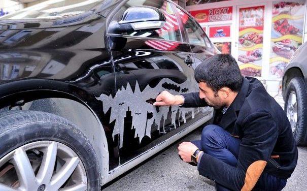 Špinavé auto může vypadat jako umění