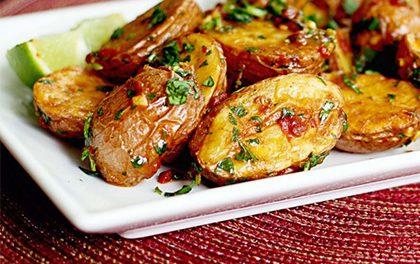 Pečené brambory v troubě – už nebude chtít jiné!