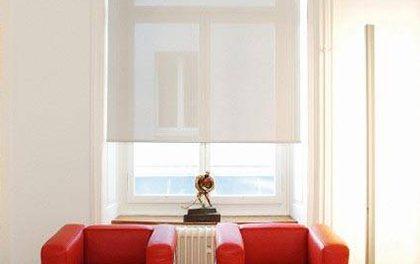 Interiérová stínící technika – Podlehněte modernímu stylu látkových a římských rolet!