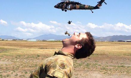 Víte, jak vypadá zábava po vojensku?