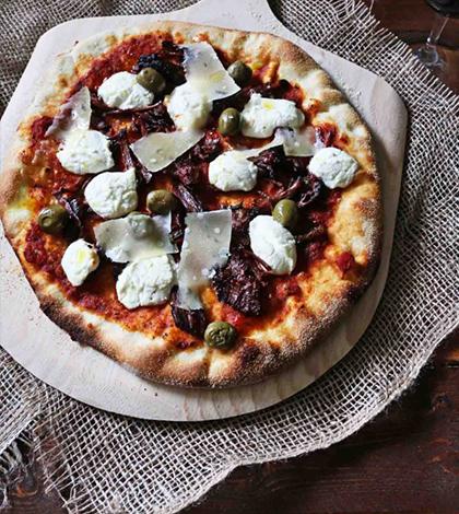 Pizza pro chlapy jako dělaná – Jednoduchý recept stojí za vyzkoušení!