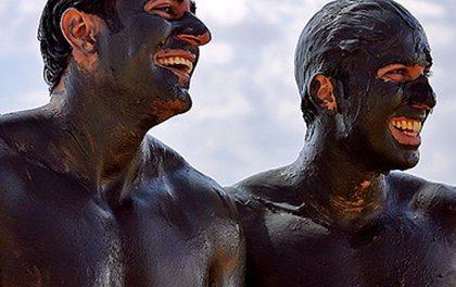 Trápí vás lupénka  jiné kožní problémy? Zkuste bahno z mrtvého moře!