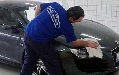 Ruční mytí aut  – Nechte o svého čtyřkolého miláčka pečovat!