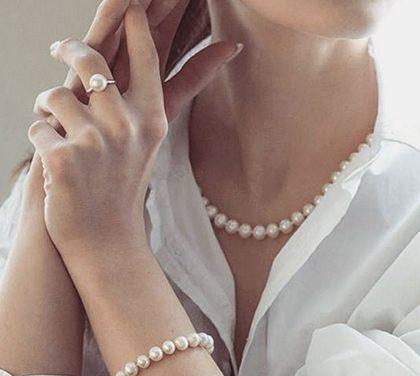 Jak vybrat šperk pro ženu? Postřehy pravého chlapa vám ulehčí nákup
