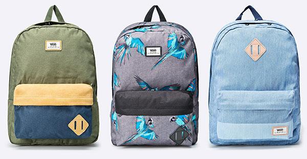 a70e77930e9 Nápaditě vzorované batohy Vans jsou skvělými společníky pro den strávený ve  škole i v bikeparku.