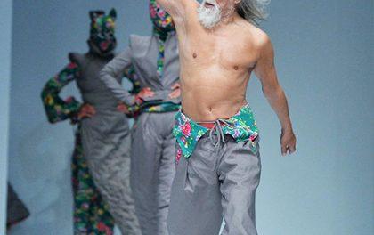 80 dědeček jako model! Na mole zářil a zastínil své o dekády mladší kolegy!