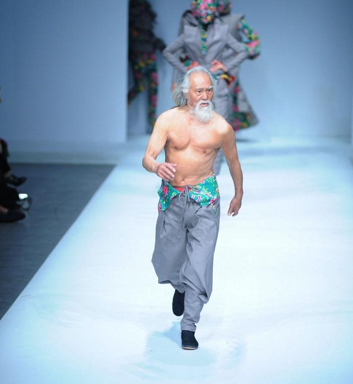 80-year-old-model-grandpa-china-wang-deshun-1-581de8c1631d6__700