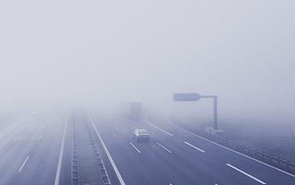 Povinnost nosit reflexní prvky vychází ze silničního zákona