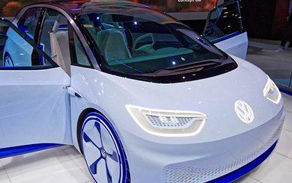 Kdy nastoupí elektromobily na český trůn?