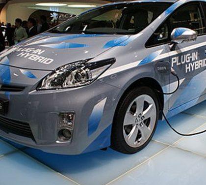 Hybridní pohon – cesta do budoucnosti, nebo polovičaté řešení?