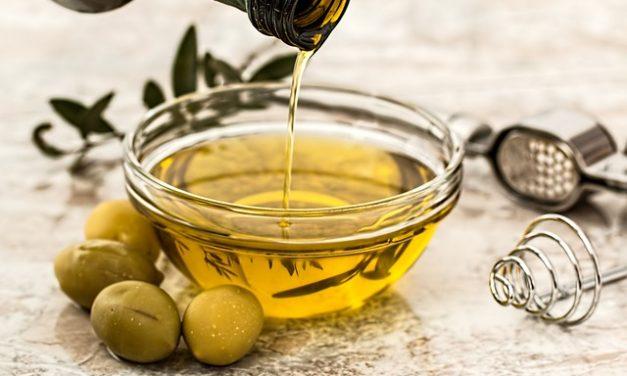 Při tvorbě zdravého jídelníčku nezapomínejte na olivové oleje