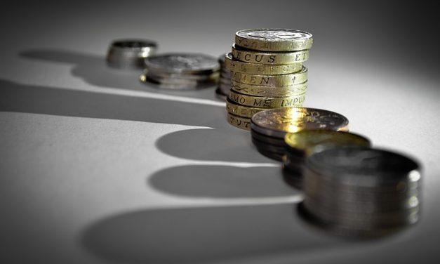 Proč se nevyplatí řešit půjčku další půjčkou?