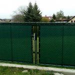 Zajistěte si na zahradě soukromí! Stínící sítě nainstalujete snadno a rychle