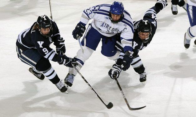 Na finále MS v hokeji pěkně z blízka? Letos to jde raz dva.