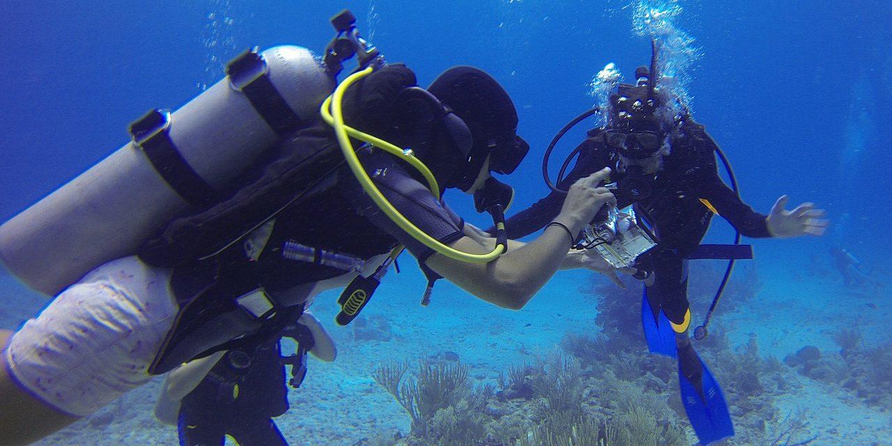 Je potápění rizikové? Přečtěte si, co se vám může přihodit v hlubinách…