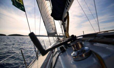 Řídit vlastní či vypůjčenou loď můžete díky průkazu vůdce malého plavidla