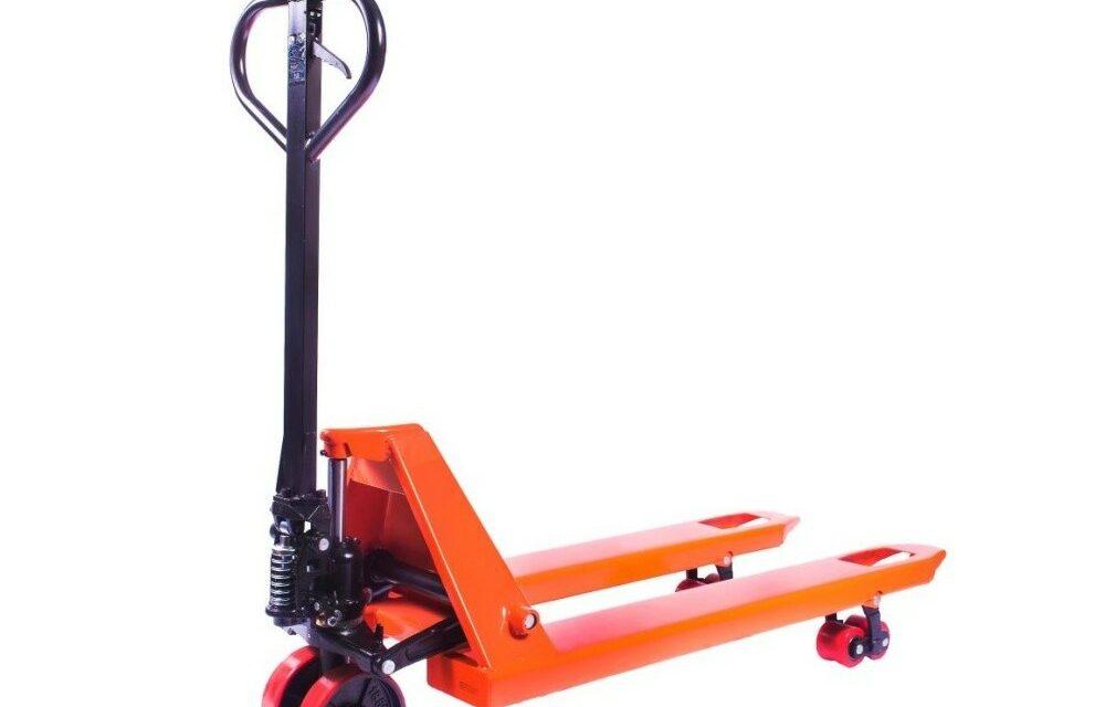 Jak vybrat vhodný paletový vozík nejen do skladu?