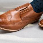 Jak sladit boty s barvou obleku?