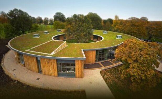 Ploché střechy se dostávají do popředí zájmu. Možnosti jejich využití jsou široké