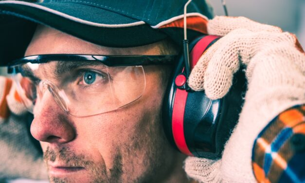 Pracovní ochranné brýle aneb myslete na bezpečnost svého zraku