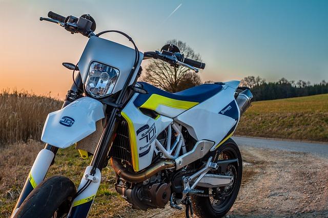 Husqvarna motorky jsou silniční zbraní číslo jedna