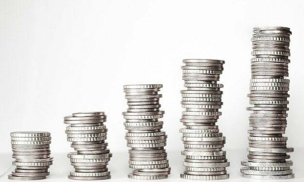 Kam s uspořenými penězi, aby je nepohltila inflace? Volte zlato