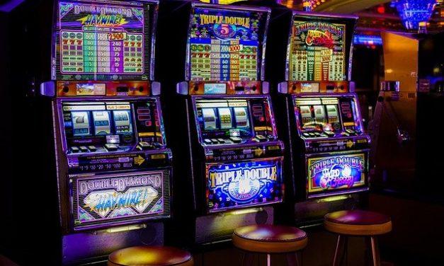 Hrací automaty: hrací automaty a sportovní hry